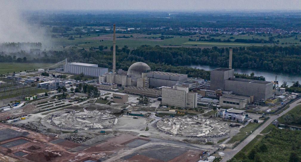 Sprengung der Kuehltuerme des Kernkraftwerk Philippsburg (KKP)